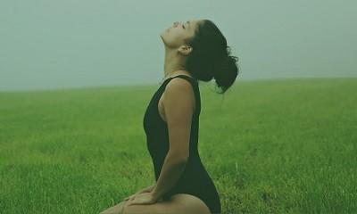【七月公益講座實錄】正念瑜珈──以正念減壓為基礎的動態伸展